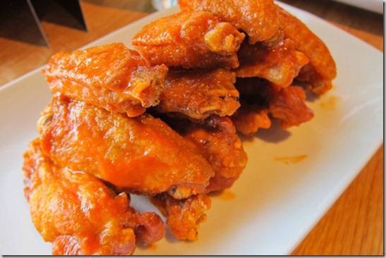 Cactus-Club-Hot-Chicken-Wings