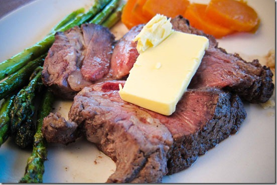 Prime-Rib-with-Asparagus-and-Yams