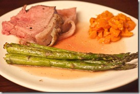 Prime-Rib-with-Asparagus-and-Carrots
