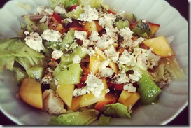 Salad-with-chicken,-peaches,-and-goat-cheese