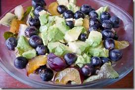 Salad-with-steak-grapes-avocado