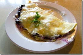 Omelette-with-blueberries-and-cheese[2]