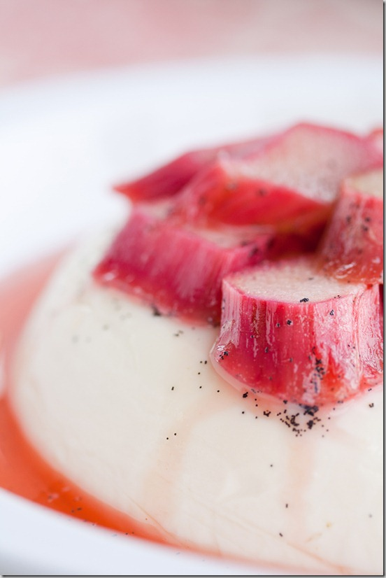 Vanilla Panna Cotta with Poached Rhubarb 3